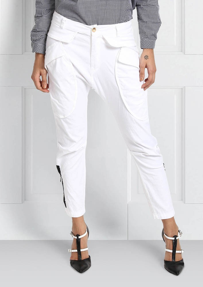 WHITE CROP PANT WITH SIDE ZIPPER