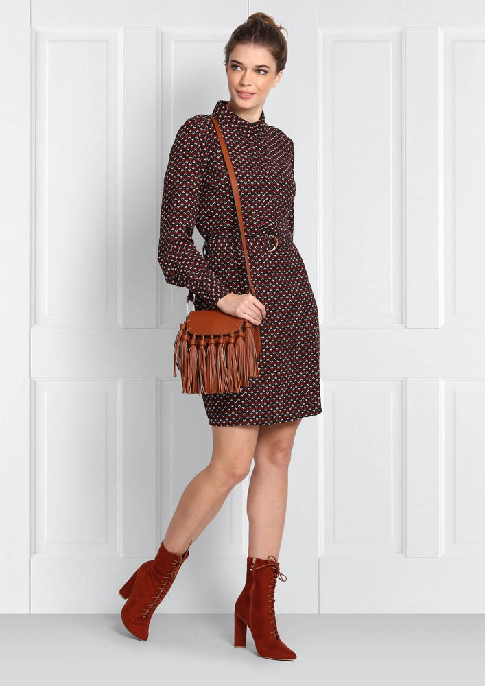 BUTTONED-UP COLLAR PRINTED DRESS