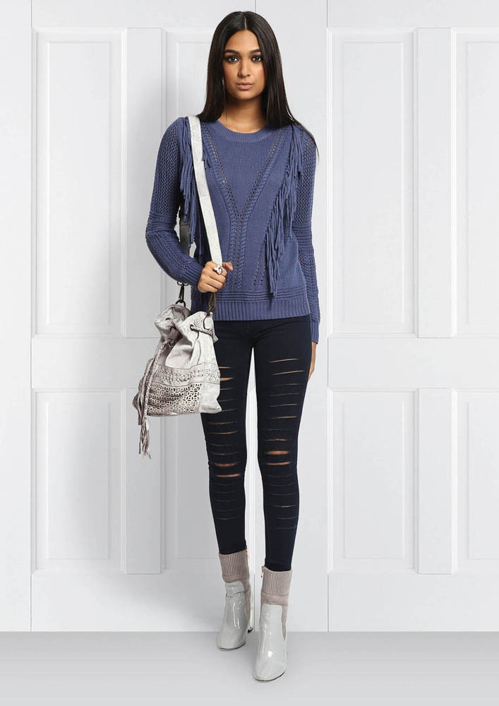KNIT AND TASSEL PULLOVER