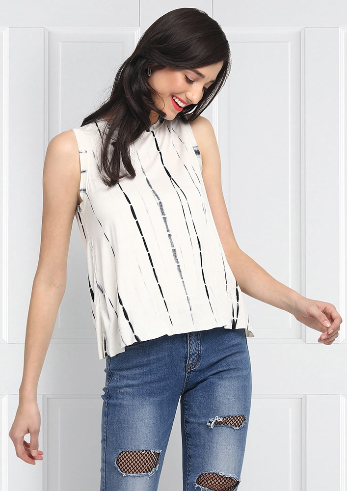 BLACK AND WHITE SLEEVLES TOP
