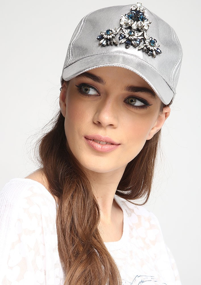 Lulu's Silver Shine Cap