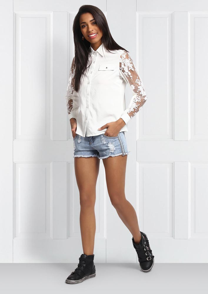 COLLARED SHIRT WITH LACE DETAIL