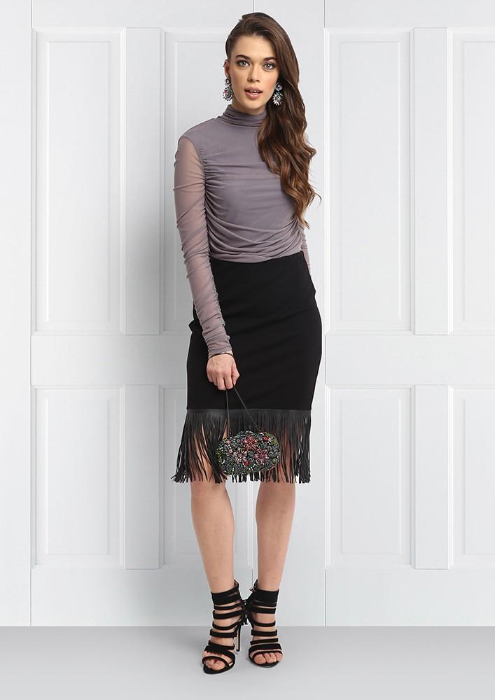 Street-style mood pencil skirt