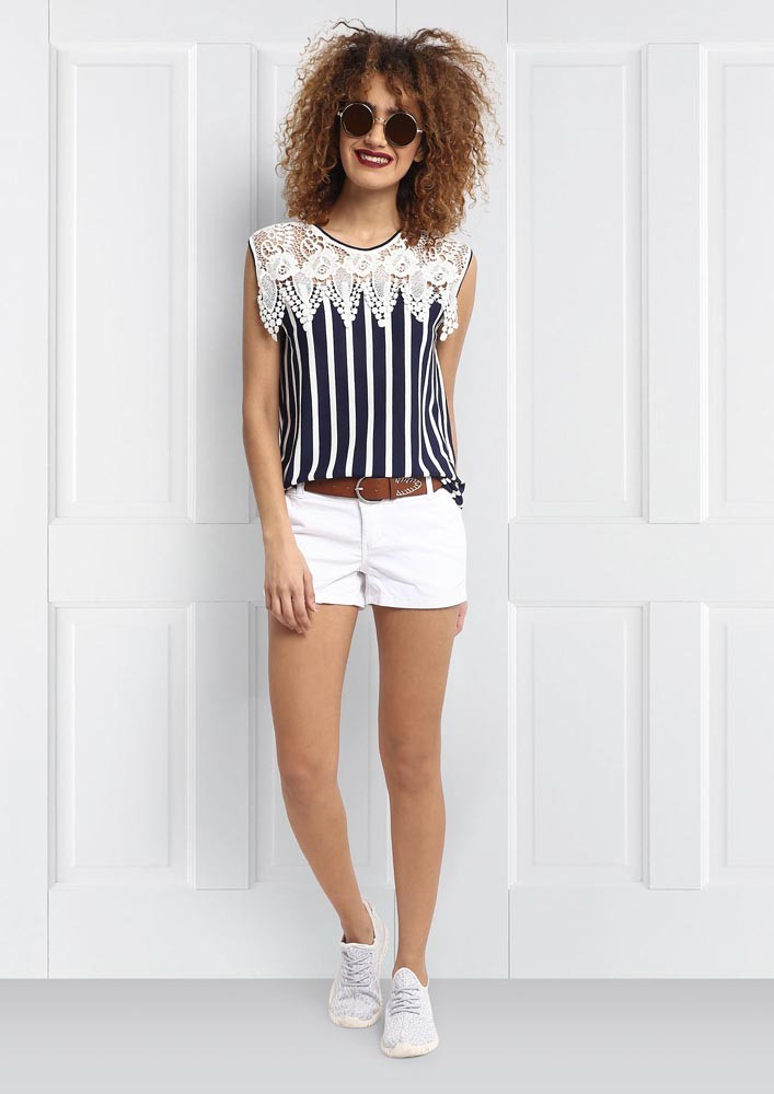 LACE DETAILED STRIPED TOP